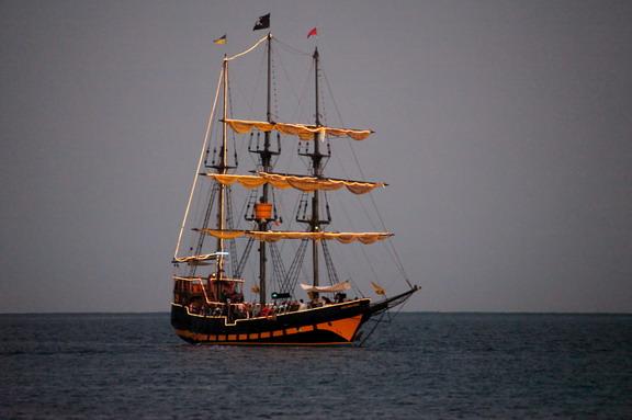 boat cruises: Buccaneer Queen