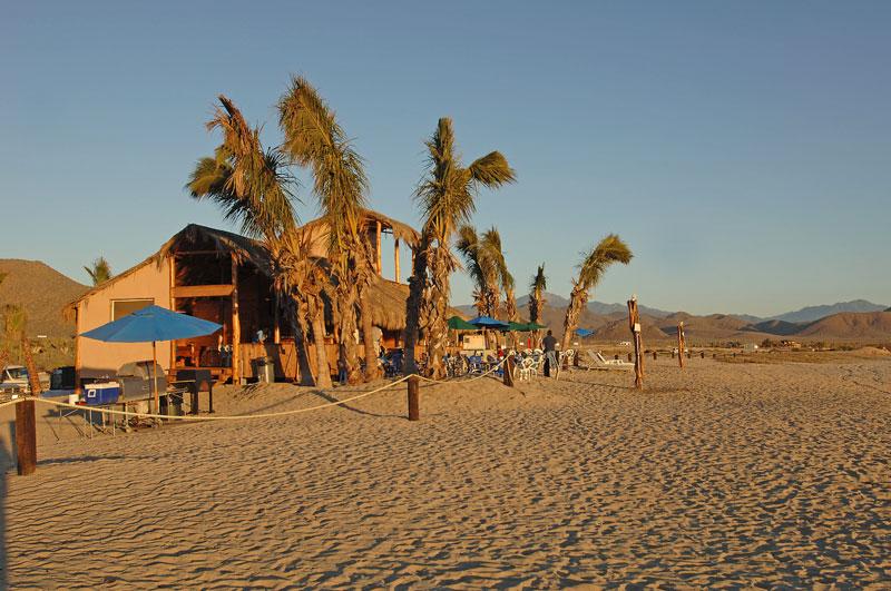 Los Cerritos Beach Club
