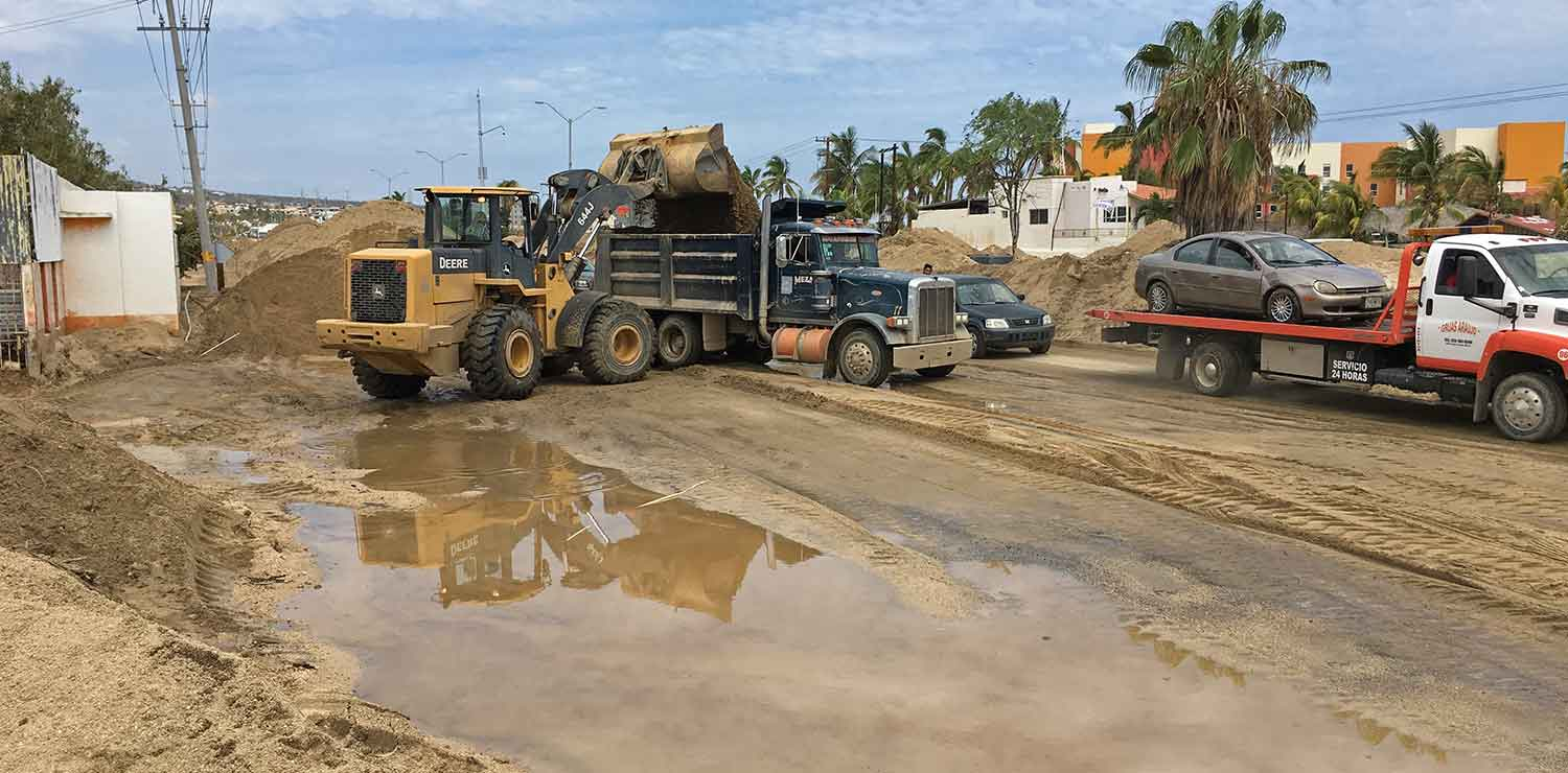 cleanup-loader-dump-truck-cabo-03sept17-I1944-x2
