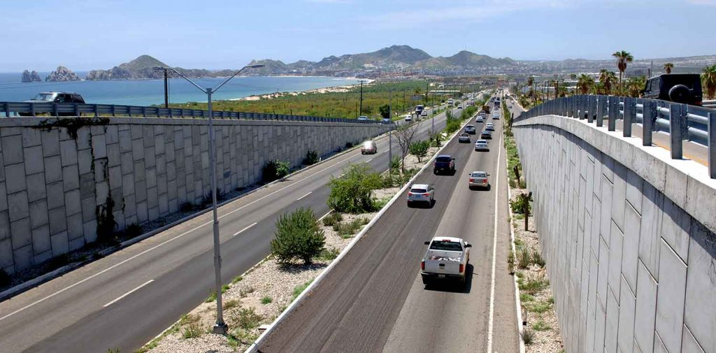 corridor-traffic-near-cabo-09sept17-2546-x2
