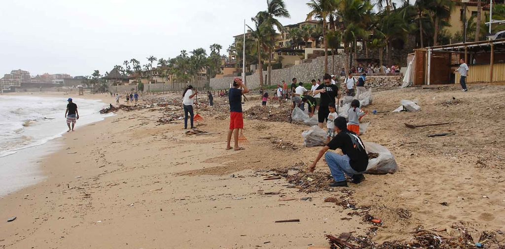 medano-beach-cleanup-01-sept-17-0795-x2