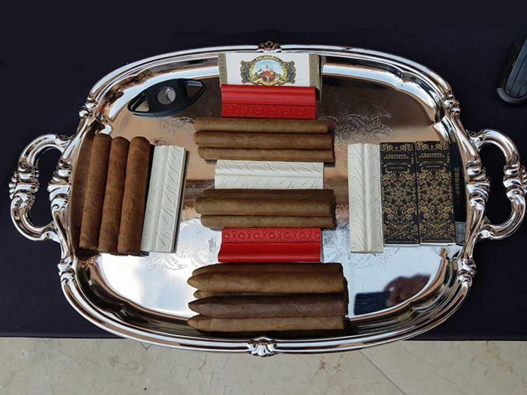 blue-bayou-cigars-los-cabos-display-x3