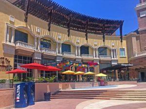 Puerto Paraiso Plaza shopping Cabo San Lucas