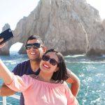 Pez-Gato-CaboMar-Sunset-Dinner-Cruise-Cabo-Romantic-Couple