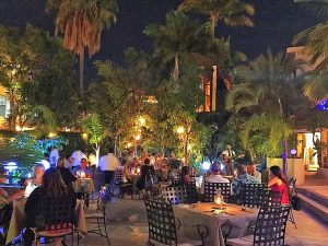 bajo-la-luna-restaurant-cabo-night-x2