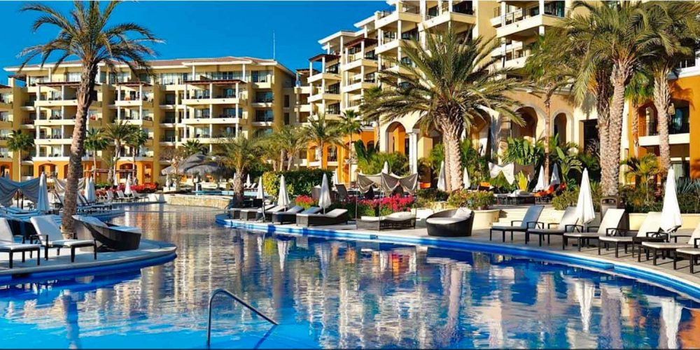 Casa Dorada Resort Los Cabos receives the Golden Apple Award.