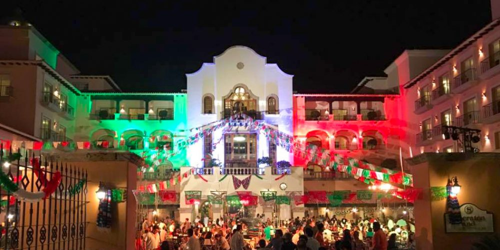 Mexicans Give The Shout of Independence at Sheraton